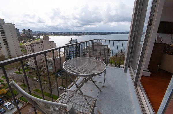"""Photo 2: Photos: 1601 2055 PENDRELL Street in Vancouver: West End VW Condo for sale in """"Panorama Place"""" (Vancouver West)  : MLS®# R2046981"""