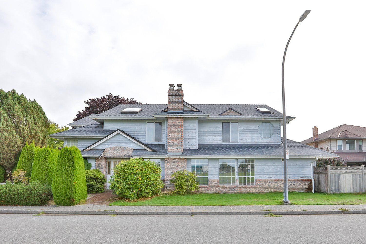 Main Photo: 5680 EASTMAN Drive in Richmond: Lackner House for sale : MLS®# R2622162