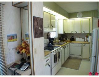 """Photo 2: 145 3665 244 Street in Langley: Otter District Manufactured Home for sale in """"Langley Grove Estates"""" : MLS®# F2916375"""