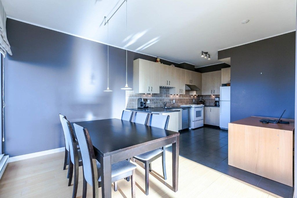 """Photo 11: Photos: 1903 7368 SANDBORNE Avenue in Burnaby: South Slope Condo for sale in """"MAYFAIR PLACE I"""" (Burnaby South)  : MLS®# R2140930"""