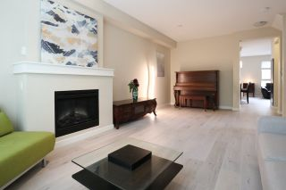 """Photo 3: 33 2738 158 Street in Surrey: Grandview Surrey Townhouse for sale in """"CATHEDRAL GROVE BY POLYGON"""" (South Surrey White Rock)  : MLS®# R2563764"""
