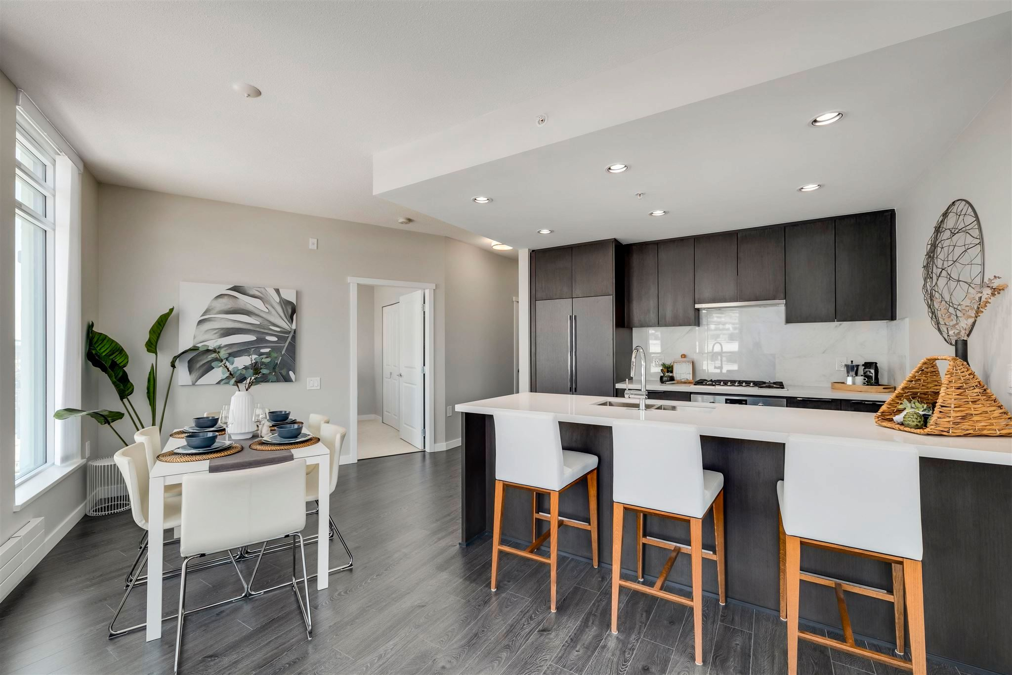 """Main Photo: 606 3188 RIVERWALK Avenue in Vancouver: South Marine Condo for sale in """"Currents at Waters Edge"""" (Vancouver East)  : MLS®# R2614998"""