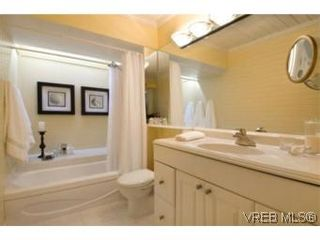 Photo 8:  in VICTORIA: SE Broadmead House for sale (Saanich East)  : MLS®# 528938