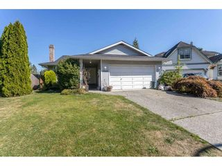 Photo 2: 19980 48A Avenue in Langley: Langley City House for sale : MLS®# R2496266