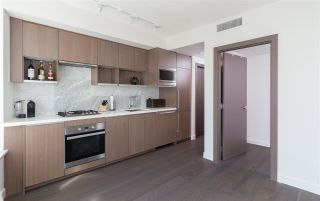 """Photo 5: 1756 38 SMITHE Street in Vancouver: Downtown VW Condo for sale in """"ONE PACIFIC"""" (Vancouver West)  : MLS®# R2106045"""