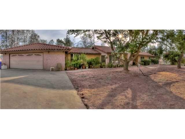 Main Photo: RAMONA House for sale : 3 bedrooms : 821 Etcheverry Street