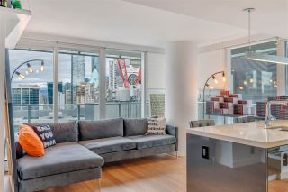 """Photo 8: 2306 777 RICHARDS Street in Vancouver: Downtown VW Condo for sale in """"TELUS GARDEN"""" (Vancouver West)  : MLS®# R2512538"""