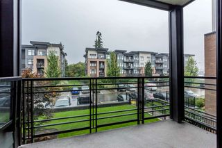 Photo 18: 202 20078 FRASER HIGHWAY in Langley: Langley City Condo for sale : MLS®# R2206059