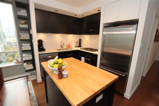 """Photo 4: 1106 1055 HOMER Street in Vancouver: Yaletown Condo for sale in """"DOMUS"""" (Vancouver West)  : MLS®# R2518319"""