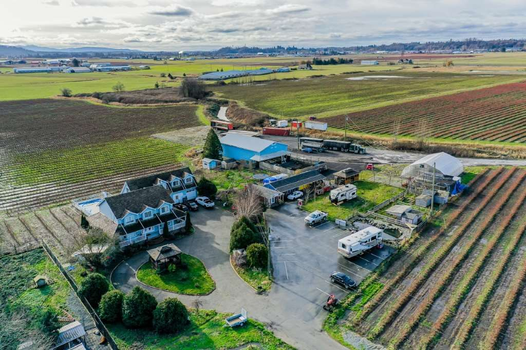Main Photo: 35826 SOUTH PARALLEL Road in Abbotsford: Sumas Prairie Agri-Business for sale : MLS®# C8035413