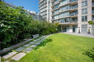 """Photo 27: 302 W 1ST Avenue in Vancouver: False Creek Townhouse for sale in """"FOUNDRY"""" (Vancouver West)  : MLS®# R2625350"""