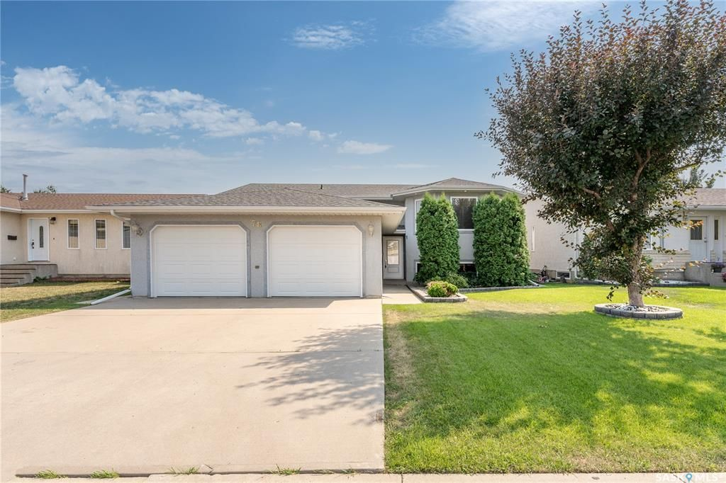 Main Photo: 78 Lewry Crescent in Moose Jaw: VLA/Sunningdale Residential for sale : MLS®# SK865208