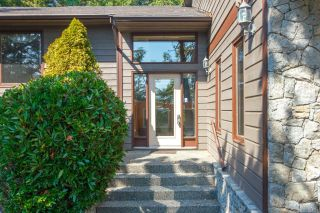 Photo 3: 3954 Arbutus Pl in : SE Ten Mile Point House for sale (Saanich East)  : MLS®# 863176