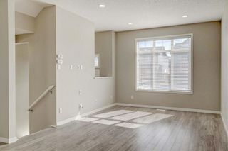 Photo 3: 28 COPPERPOND Rise SE in Calgary: Copperfield Row/Townhouse for sale : MLS®# C4235792