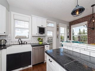 Photo 7: 35 43 SPRINGBOROUGH Boulevard SW in Calgary: Springbank Hill House for sale : MLS®# C4083171