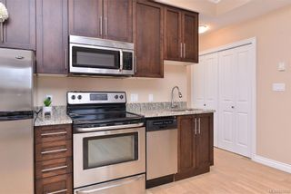 Photo 10: 302 9717 First St in Sidney: Si Sidney South-East Condo for sale : MLS®# 831930