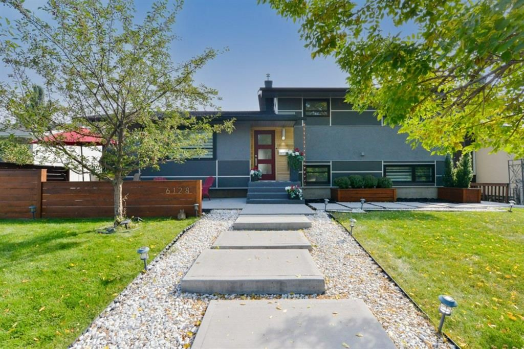 Main Photo: 6128 Lloyd Crescent SW in Calgary: Lakeview Detached for sale : MLS®# A1151128