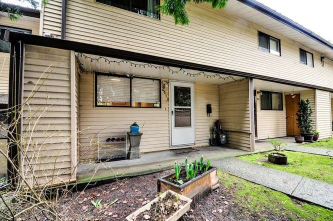 Photo 16: Photos: 2013 HOLDOM Avenue in Burnaby: Parkcrest Townhouse for sale (Burnaby North)  : MLS®# R2147060
