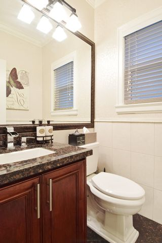 """Photo 11: 2460 LLOYD Avenue in North Vancouver: Pemberton Heights House for sale in """"PEMBERTON HEIGHTS"""" : MLS®# R2030093"""