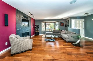 Photo 2: 24991 SMITH Avenue in Maple Ridge: Websters Corners House for sale : MLS®# R2618143