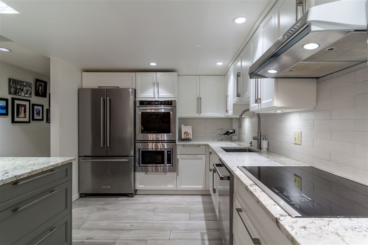 """Main Photo: 47 1425 LAMEY'S MILL Road in Vancouver: False Creek Condo for sale in """"Harbor Terrace"""" (Vancouver West)  : MLS®# R2218283"""