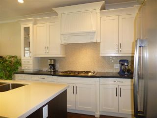 Photo 3: 15487 THRIFT Avenue: White Rock House for sale (South Surrey White Rock)  : MLS®# R2011959