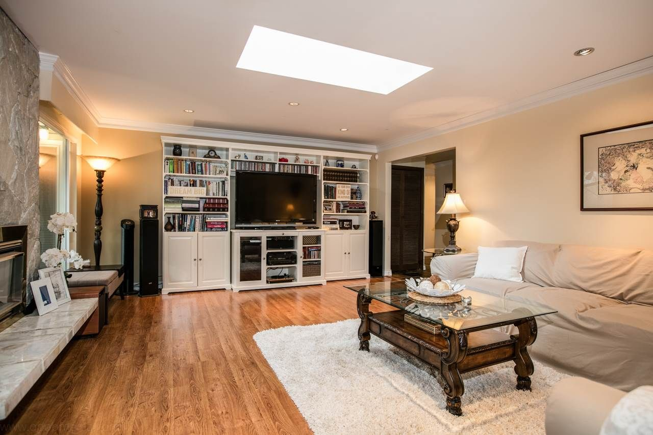 """Photo 3: Photos: 3168 E 63RD Avenue in Vancouver: Champlain Heights House for sale in """"CHAMPLAIN HEIGHTS"""" (Vancouver East)  : MLS®# R2027923"""