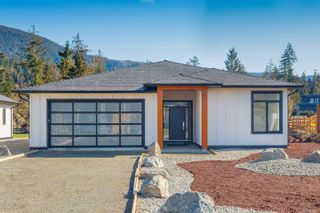 Photo 1: 7264 Lakefront Dr in : Du Lake Cowichan House for sale (Duncan)  : MLS®# 871373