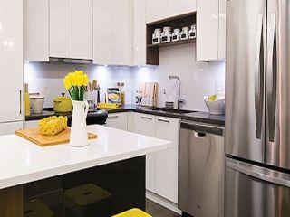 Photo 3: 307 15351 101 Avenue in Surrey: Guildford Condo for sale (North Surrey)  : MLS®# R2333314