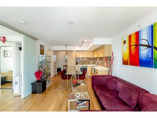 Photo 2: # 801 565 SMITHE ST in Vancouver: Downtown VW Condo for sale (Vancouver West)  : MLS®# V1076354
