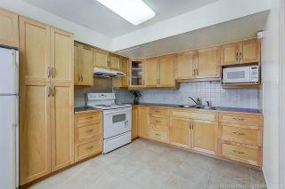 """Photo 10: 3475 WEYMOOR Place in Vancouver: Champlain Heights Townhouse for sale in """"MOORPARK"""" (Vancouver East)  : MLS®# R2221889"""