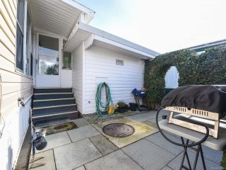 Photo 22: 18 1240 WILKINSON ROAD in COMOX: CV Comox Peninsula Manufactured Home for sale (Comox Valley)  : MLS®# 780089