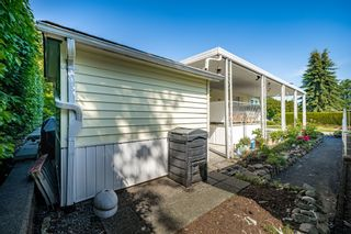 """Photo 37: 2 13507 81 Avenue in Surrey: Queen Mary Park Surrey Manufactured Home for sale in """"Park Boulevard Estates"""" : MLS®# R2460822"""