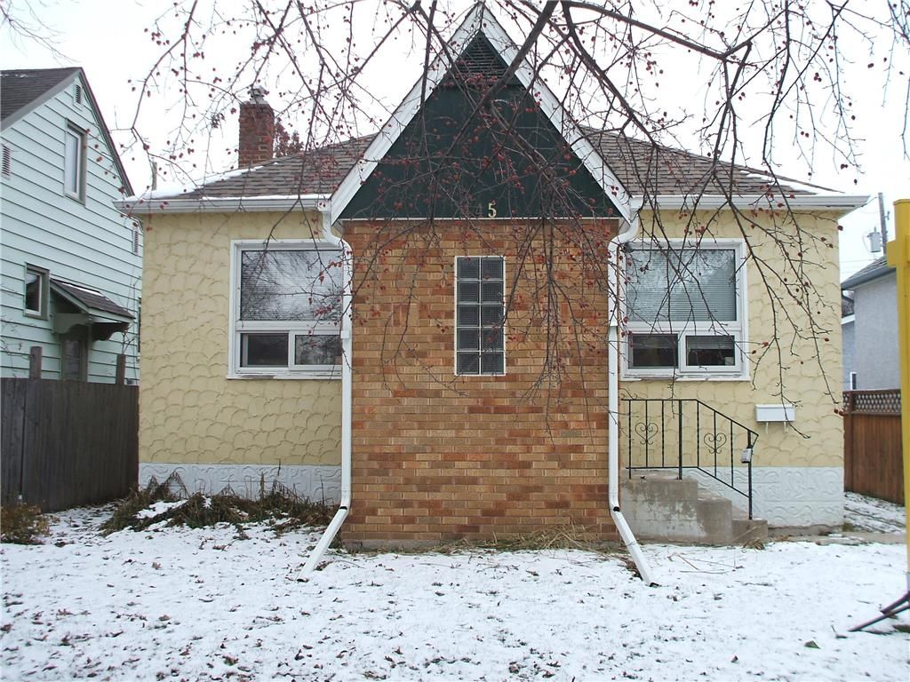 Main Photo: 445 Lariviere Street in Winnipeg: Norwood Residential for sale (2B)  : MLS®# 1930715