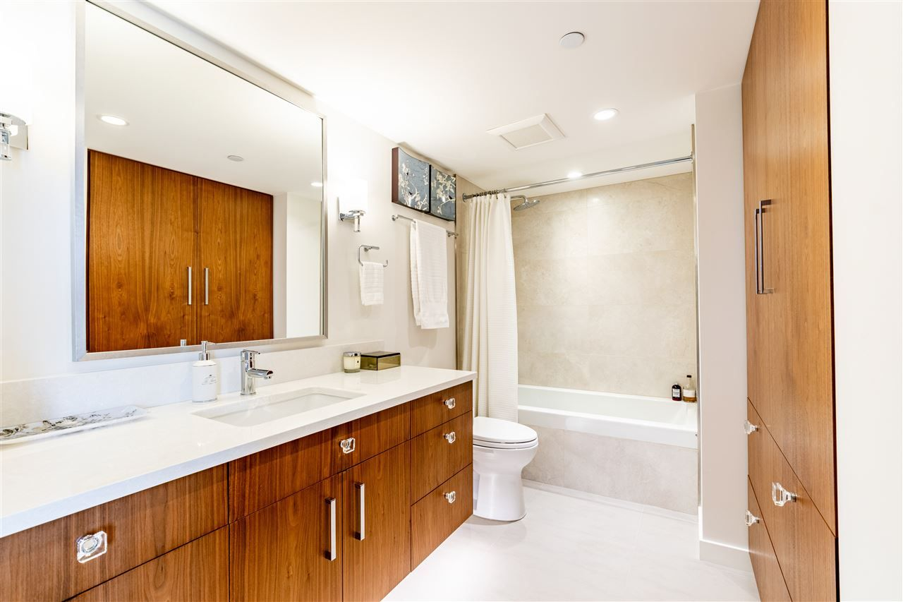 """Photo 29: Photos: 1605 120 MILROSS Avenue in Vancouver: Downtown VE Condo for sale in """"THE BRIGHTON BY BOSA"""" (Vancouver East)  : MLS®# R2568798"""