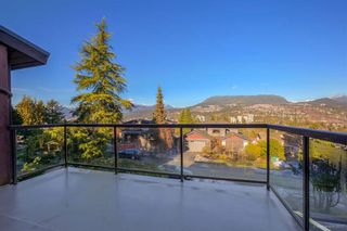 Photo 3: 2330 Oneida Drive in Coquitlam: Chineside House for sale : MLS®# R2135344