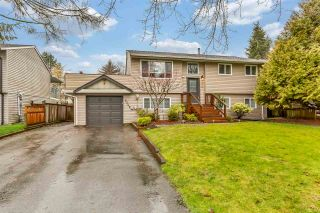 Photo 1: 6309 173A Street in Surrey: Cloverdale BC House for sale (Cloverdale)  : MLS®# R2533935