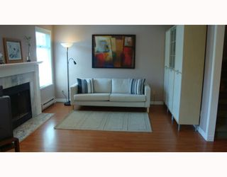 Photo 2: 6 7130 BARNET Road in Burnaby: Westridge BN Townhouse for sale (Burnaby North)  : MLS®# V782406