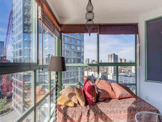 Photo 6: 1705 909 BURRARD Street in Vancouver: West End VW Condo for sale (Vancouver West)  : MLS®# R2557342