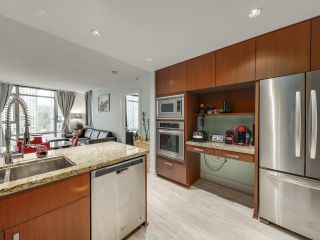 Photo 10: 1106 1155 THE HIGH Street in Coquitlam: North Coquitlam Condo for sale : MLS®# R2622995