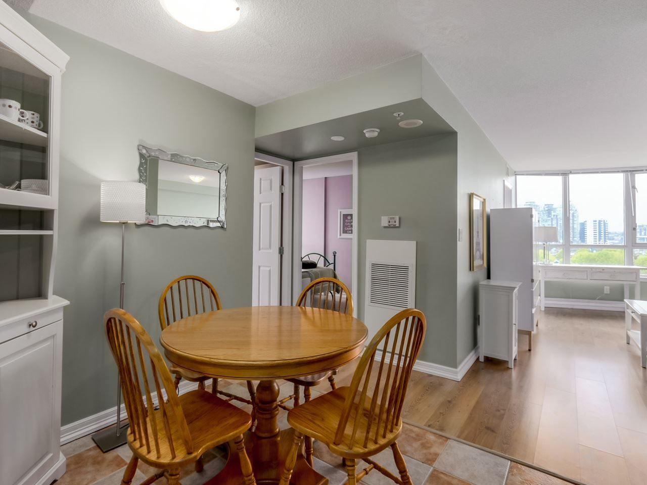 """Photo 2: Photos: 808 63 KEEFER Place in Vancouver: Downtown VW Condo for sale in """"Europa"""" (Vancouver West)  : MLS®# R2061272"""