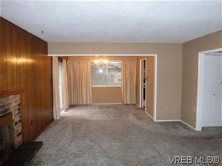 Photo 3: 2025 Linda Place in SIDNEY: SI Sidney North-East Residential for sale (Sidney)  : MLS®# 304671