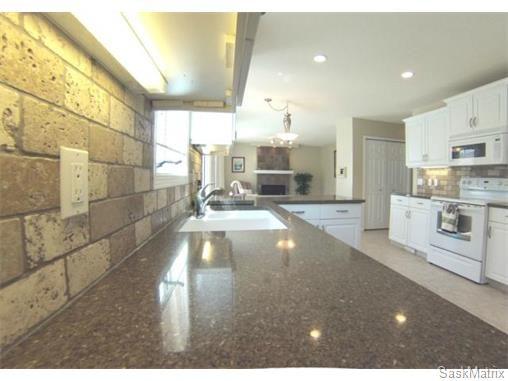 Photo 5: Photos: 606 Forsyth Crescent in Saskatoon: Erindale Single Family Dwelling for sale (Saskatoon Area 01)  : MLS®# 568828