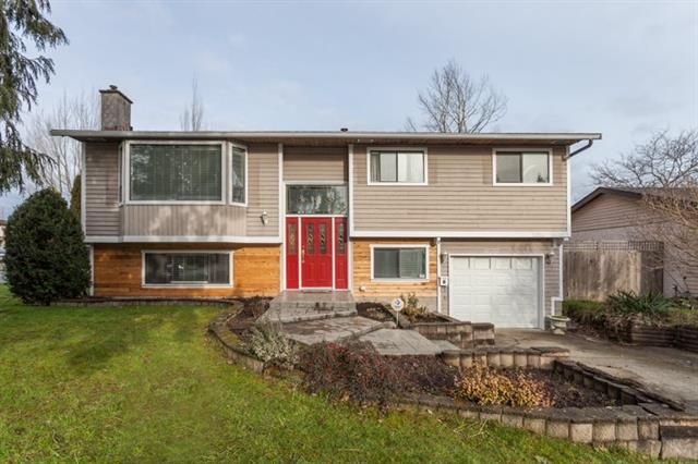 Main Photo: 17207 61A AVE in Cloverdale: Cloverdale BC House for sale : MLS®# R2026581
