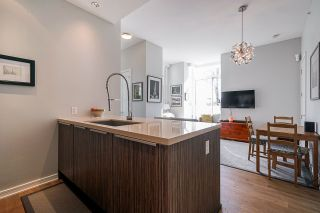 """Photo 12: 2 ATHLETES Way in Vancouver: False Creek Townhouse for sale in """"KAYAK-THE VILLAGE ON THE CREEK"""" (Vancouver West)  : MLS®# R2564490"""