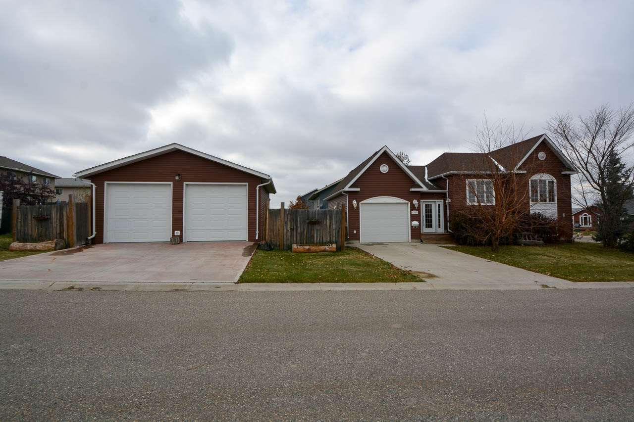 "Main Photo: 11424 88 Street in Fort St. John: Fort St. John - City NE House for sale in ""PANARAMA RIDGE"" (Fort St. John (Zone 60))  : MLS®# R2314579"