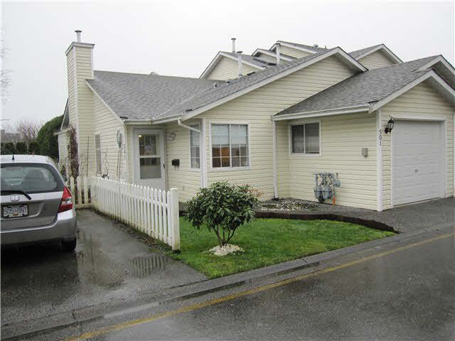 """Main Photo: 501 20675 118TH Avenue in Maple Ridge: Southwest Maple Ridge Townhouse for sale in """"ARBOR WYND"""" : MLS®# V1104184"""