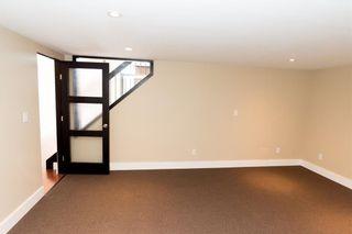 Photo 10: 319 10309 107 Street in Edmonton: Zone 12 Condo for sale : MLS®# E4244551