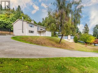 Main Photo: 2077 Lakeside Dr in Nanaimo: House for sale : MLS®# 886191