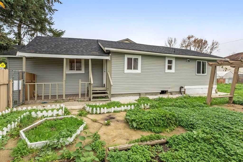 Main Photo: 11448 128 Street in Surrey: Bridgeview House for sale (North Surrey)  : MLS®# R2172454